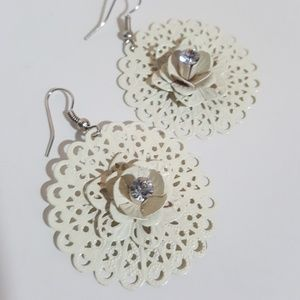 Jewelry - Off White Metal Cut Out Rhinestone Rose Earrings